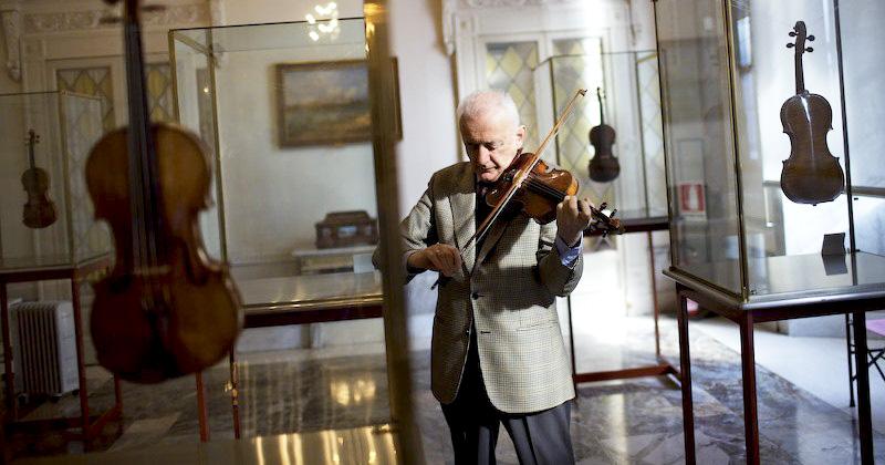 Andrea Mosconi, conservateur du musée de Crémone en Italie